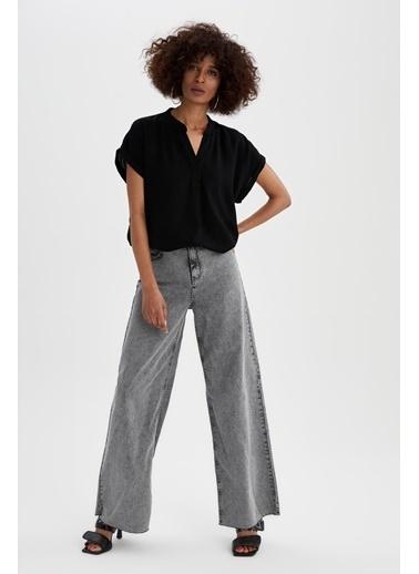 DeFacto Regular Fit V Yaka Basic T-shirt Siyah